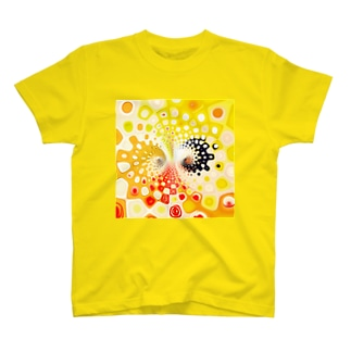 YELLOWの世界 in kaleidoscope T-shirts