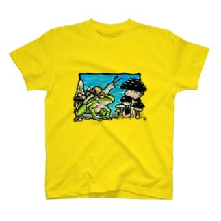 カエルとキノコとカタツムリ T-shirts