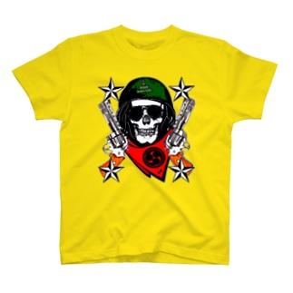 髑髏と拳銃 T-shirts