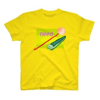 耳かきと爪切り T-shirts