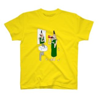 朝の身支度 T-shirts