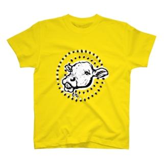 ミルク欲しい時の子牛ちゃん(濃い色) T-shirts