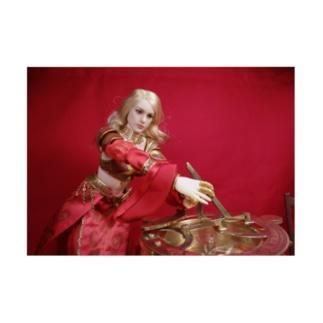 人形写真:日時計を操作する金髪美少女 Doll picture: Blonde noble with a sundial Stickable poster