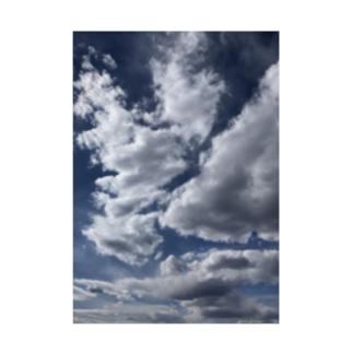 晴れ空を覆う雲 Stickable poster