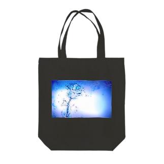 水の青薔薇 Tote bags