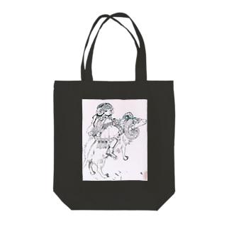 少女とムフロン Tote bags