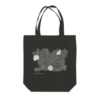 Duchesse Lace 1_black Tote bags