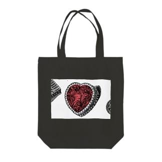 J. Jeffery Print Galleryのクラシックなハート Tote bags
