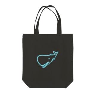 ネオンカラーマッコウクジラ Tote bags