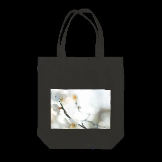 はち / きまぐれハチログの白い梅 Tote bags