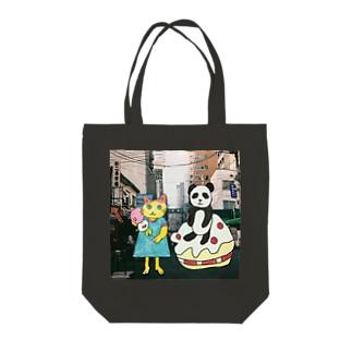 パンダと猫の美味しい旅 Tote bags