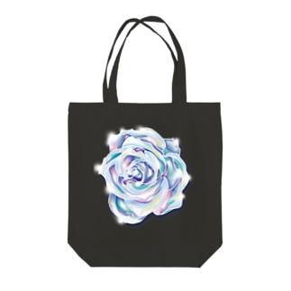 虹色のバラ Tote bags