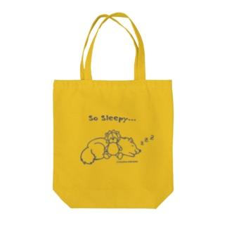 So Sleepy 眠たいワンコ Tote bags