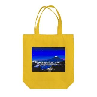 富士山と街灯り Tote bags