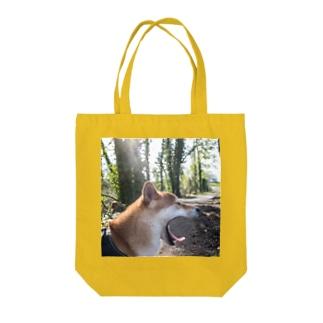 あくびワンコTo-To Tote bags