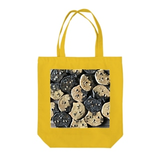 many many cats Tote bags
