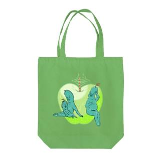 くつろぎあおりんご Tote bags