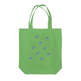 サカナオヨグ Tote bags