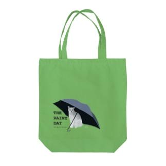黒傘と白猫 Tote bags