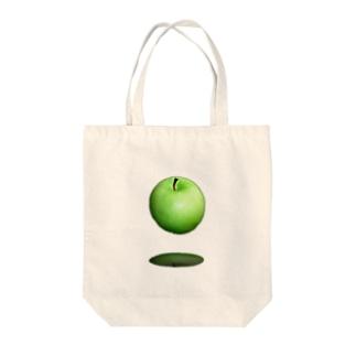 青いリンゴ Tote bags