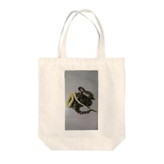 ボールパイソン Tote bags
