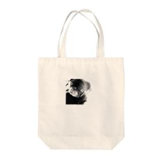 黒パグの姫ちゃん Tote bags