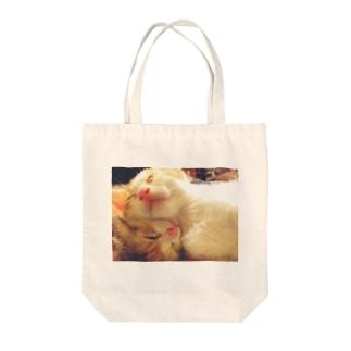 仲良しにゃんこ Tote bags