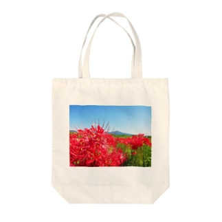 田舎と彼岸花 Tote bags