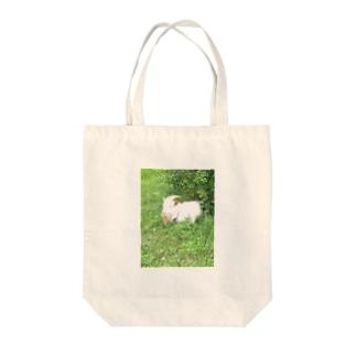 ある日の午後の白ヤギさん Tote bags