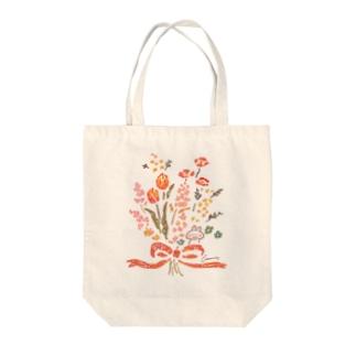 花束とうさぎ Tote bags