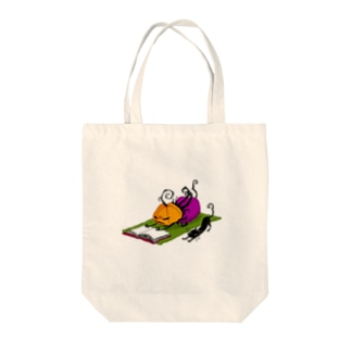 パンプキンちゃん ヨガタイム Tote bags