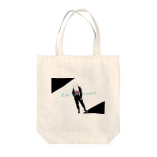 LIVE THE MOMENT ガール Tote bags