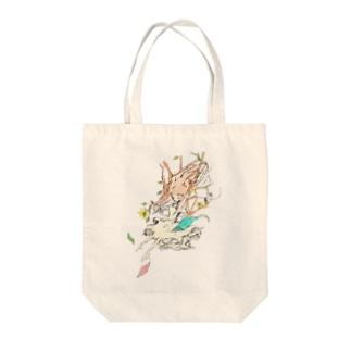 木々になる少女 Tote bags
