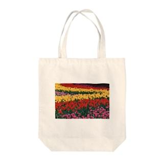 虹色の道 Tote bags