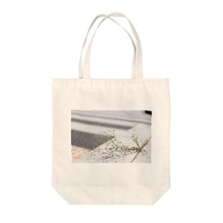アスファルト×植物 Tote bags