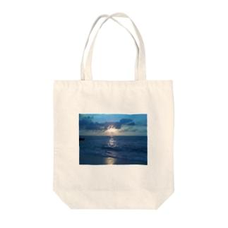 宮古島の夕陽 Tote bags