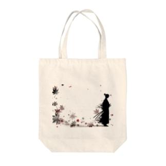 侍と舞う紅葉 Tote bags