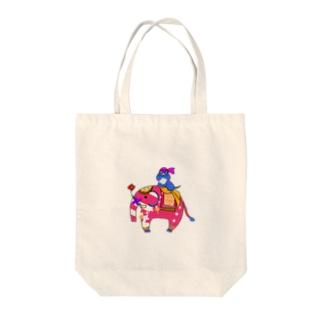 インド象とニャンマー Tote bags
