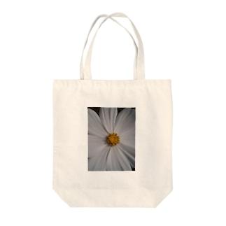 その純粋な心で・・・ Tote bags