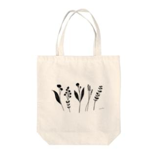 mono garden Tote bags