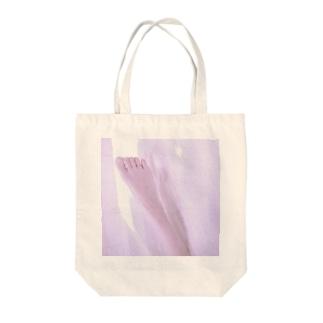 果つる Tote bags