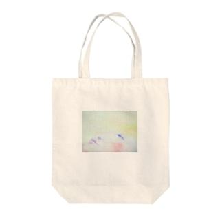 眠るアジアの美女 Tote bags