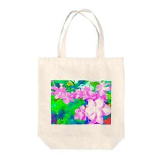 ピンクの紫陽花. Tote bags