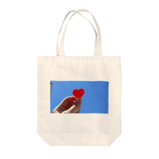 ♡ in the sky Tote bags