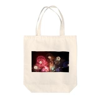 夜空に咲く大輪 Tote bags