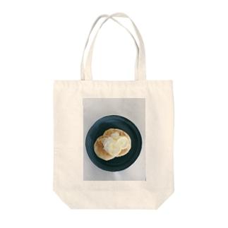 ホエー入リパンケーキ Tote bags