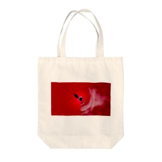 少女の赤い症状 Tote bags