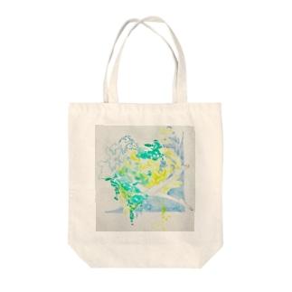 夏の日の水と泳ぐ Tote bags