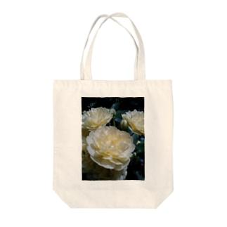 ホワイトクリーム Tote bags