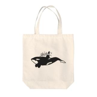 シャチ スイム Tote bags
